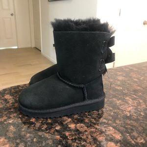 UGG Shoes - NWT UGG Toddler Girls Bailey Bow II